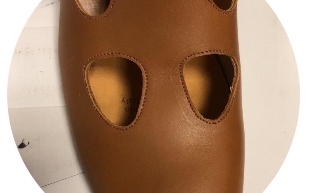 Sandalo con occhi